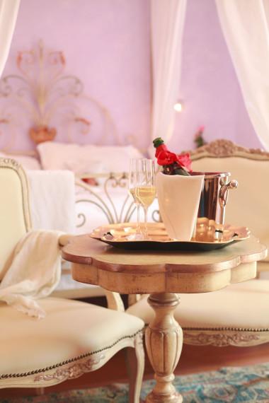 Camera Giulietta e Romeo flute e champagne