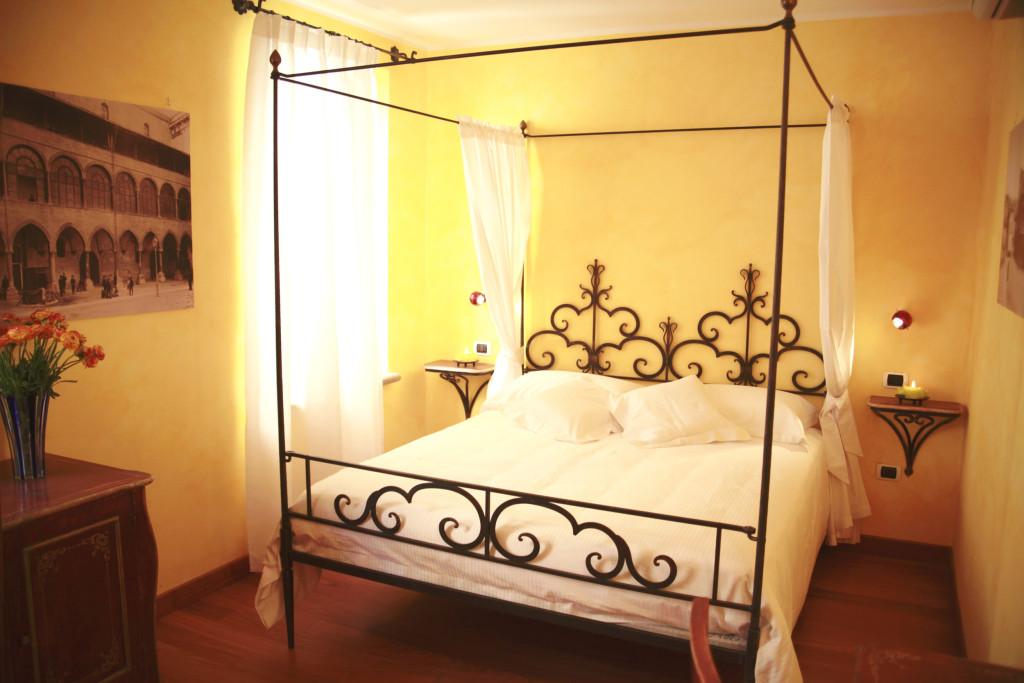 Camera Tristano e Isotta letto baldacchino